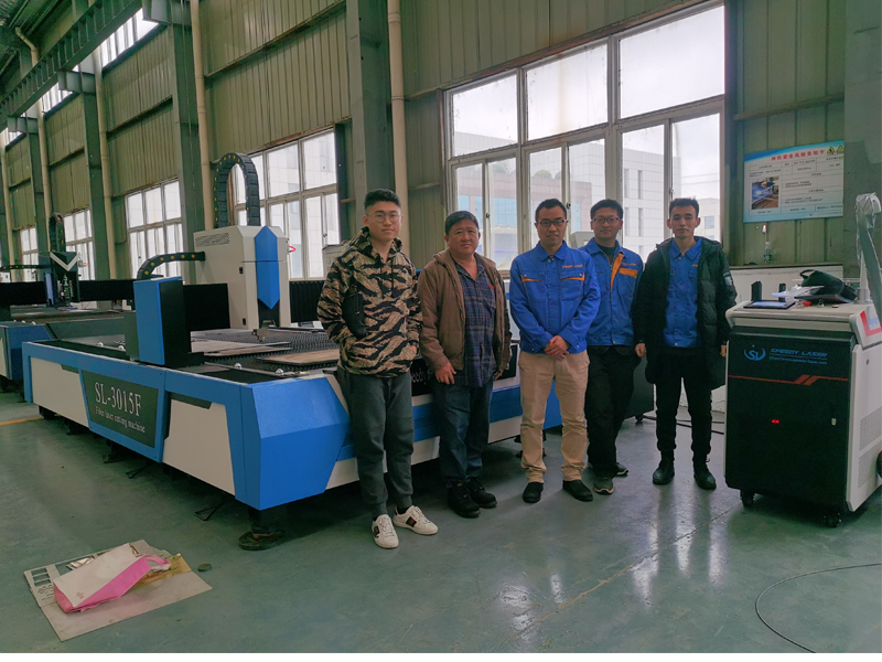 2000W fiber laser cutting machine